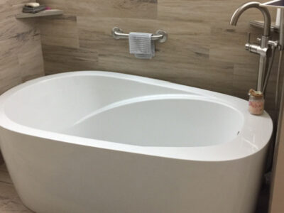 Bath Tiles Behind Bathrub AFTER Mold Removal - Scottsdale 600x400